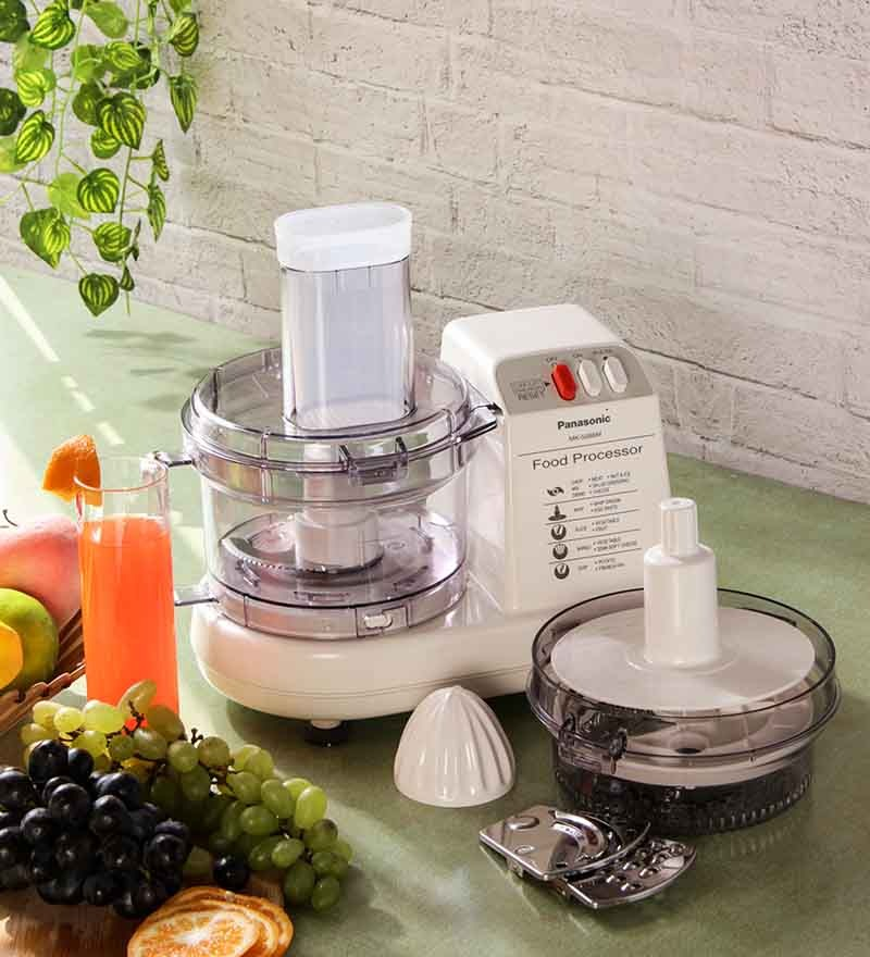 Cook's food review processor illustrated cooks making large